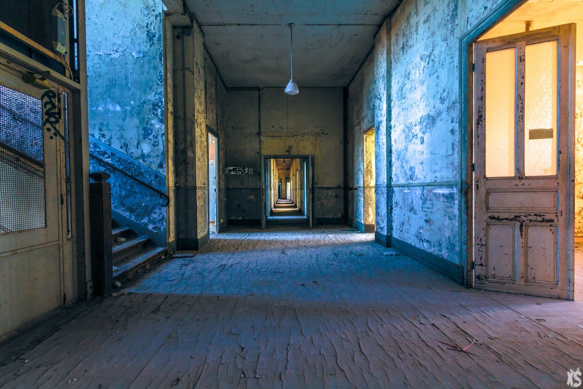 Orphelinat abandonné en France situé à Beaumont-la-Ronce | urbexsession.com/lorphelinat-emile-louis | Urbex France