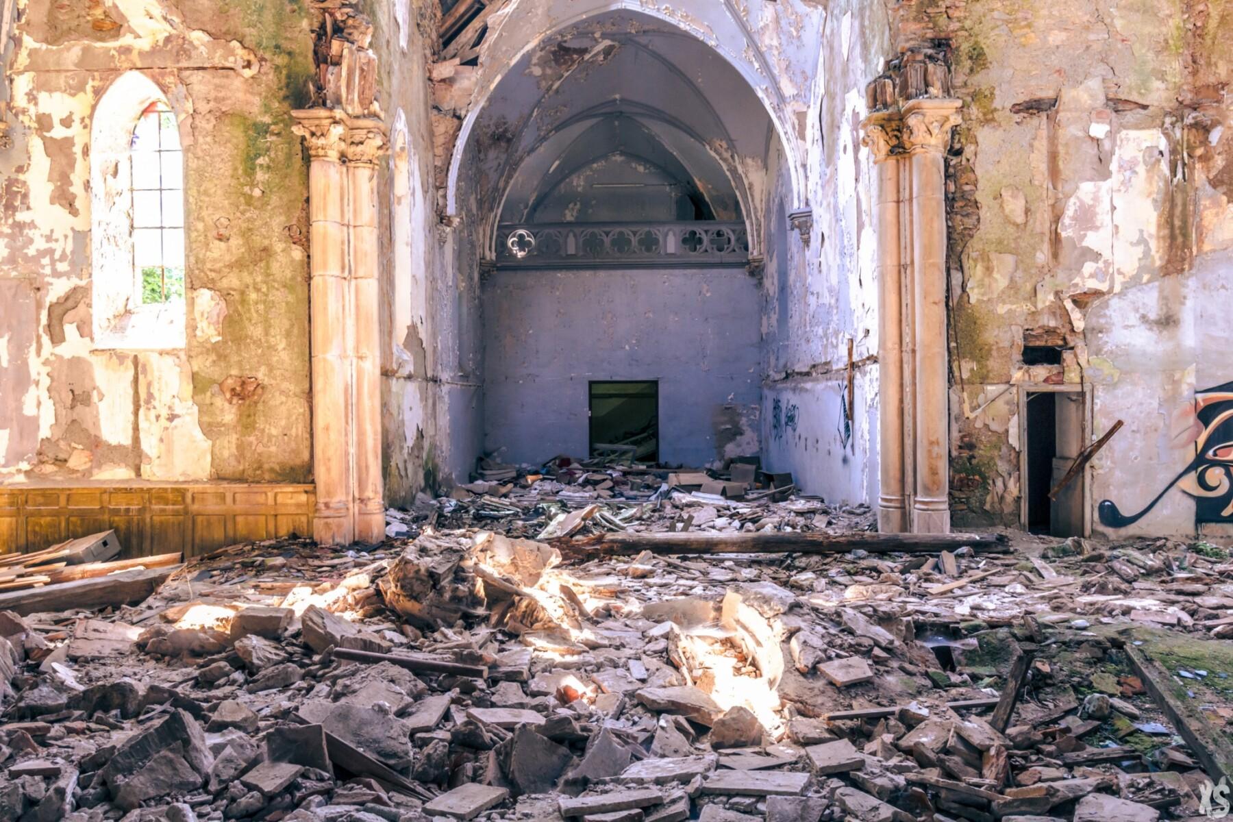 Abandoned school in France | urbexsession.com/en/joseph-vacher-school | Urbex France