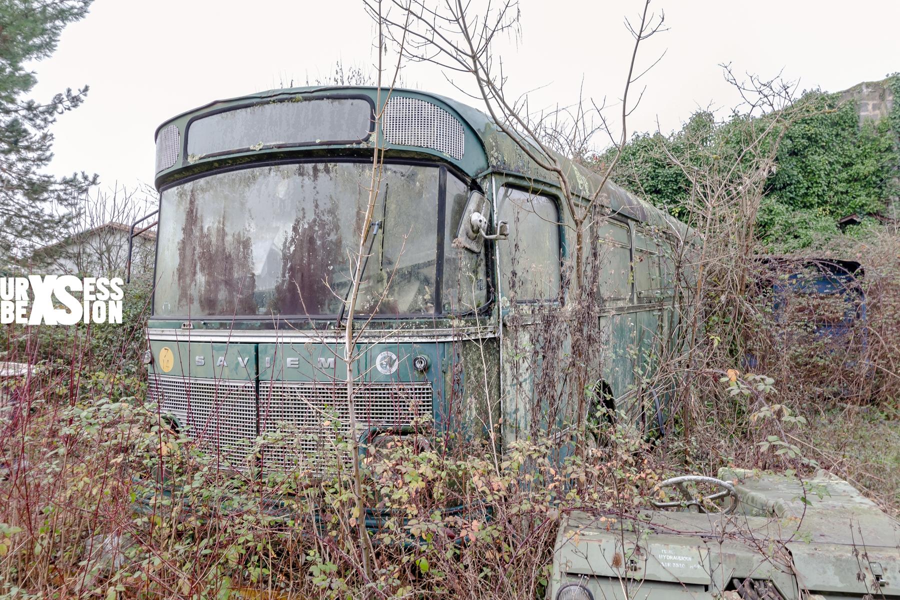 Usine abandonnée et cimetière de véhicules situés en Gironde | urbexsession.com/papeterie-vinet | Urbex France