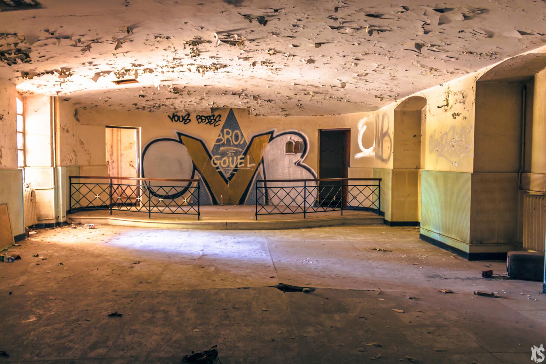Sanatorium abandonné dans le sud de la France   urbexsession.com/sanatorium-julia-fazekas   Urbex France