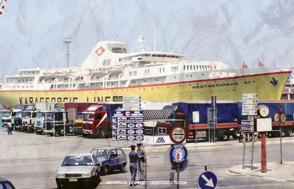 Bateau abandonné en Grèce | urbexsession.com/mediterranean-sky-bateau-abandonne | Urbex Grèce