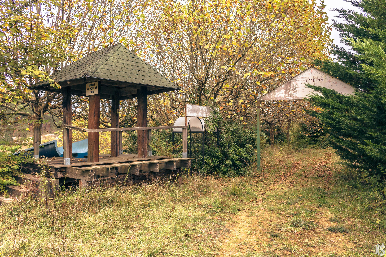 Guinguette abandonnée en Dordogne
