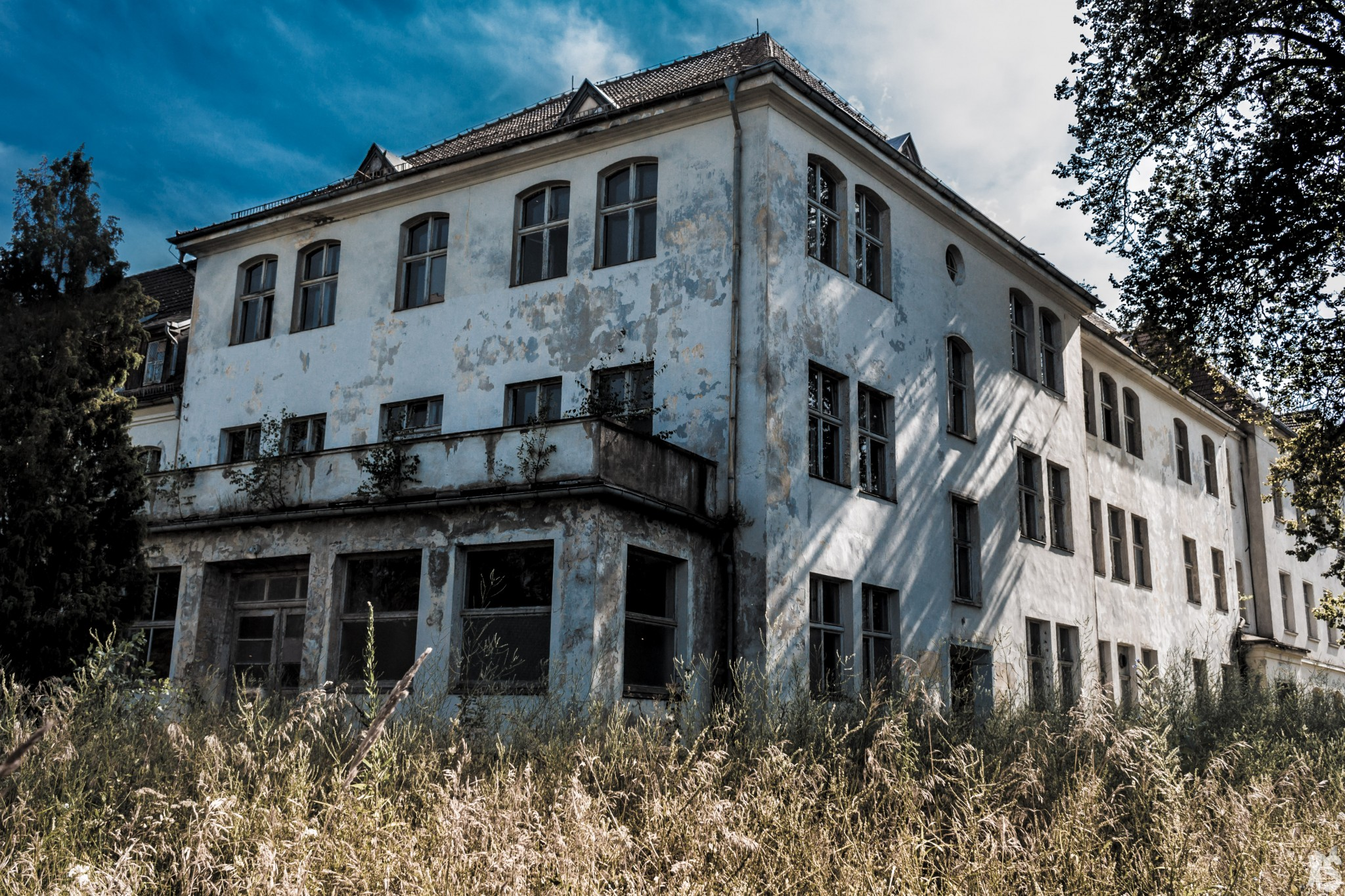 sanatorium-alexander-sandy-keith-35