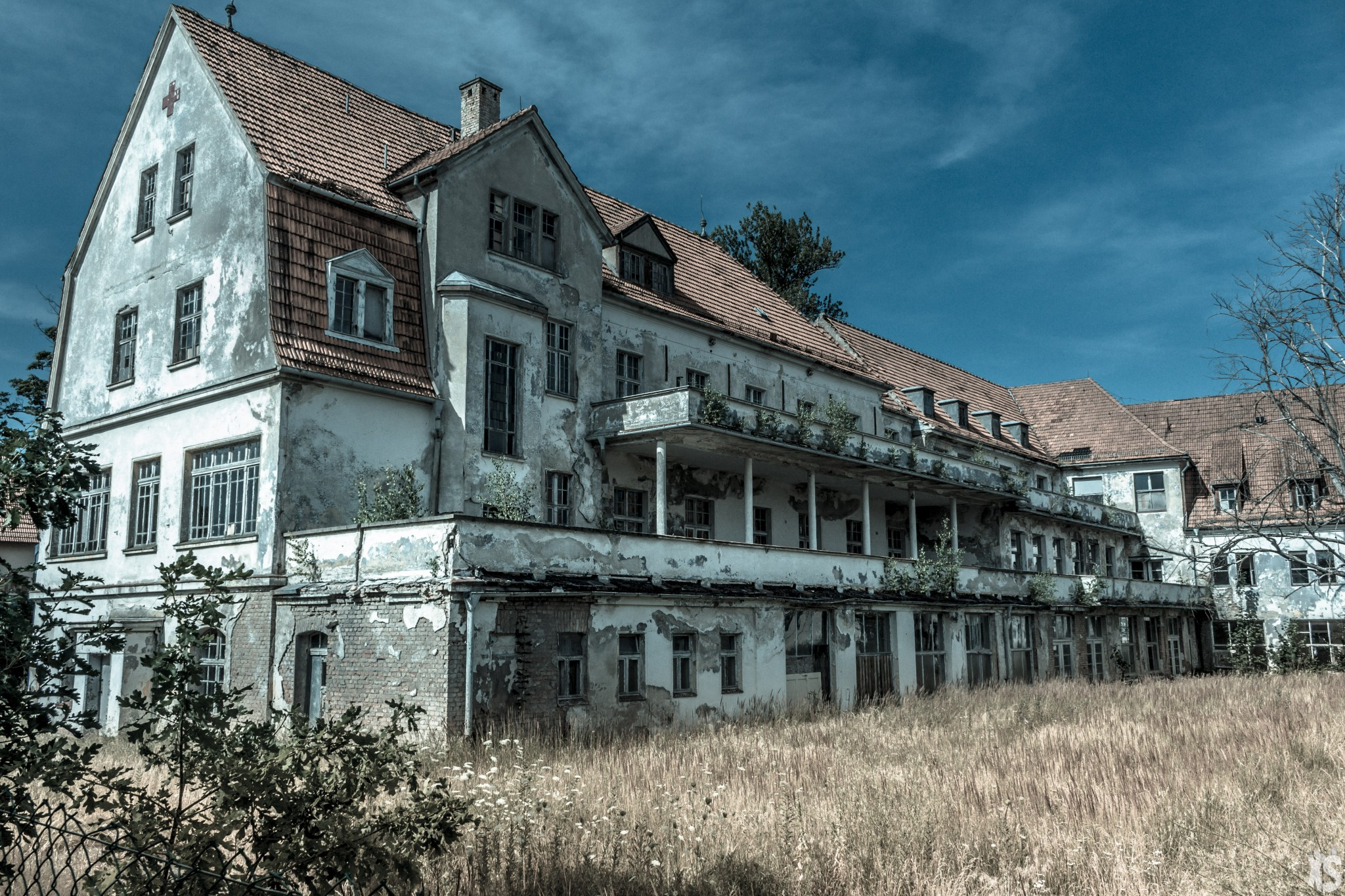 sanatorium-alexander-sandy-keith-37