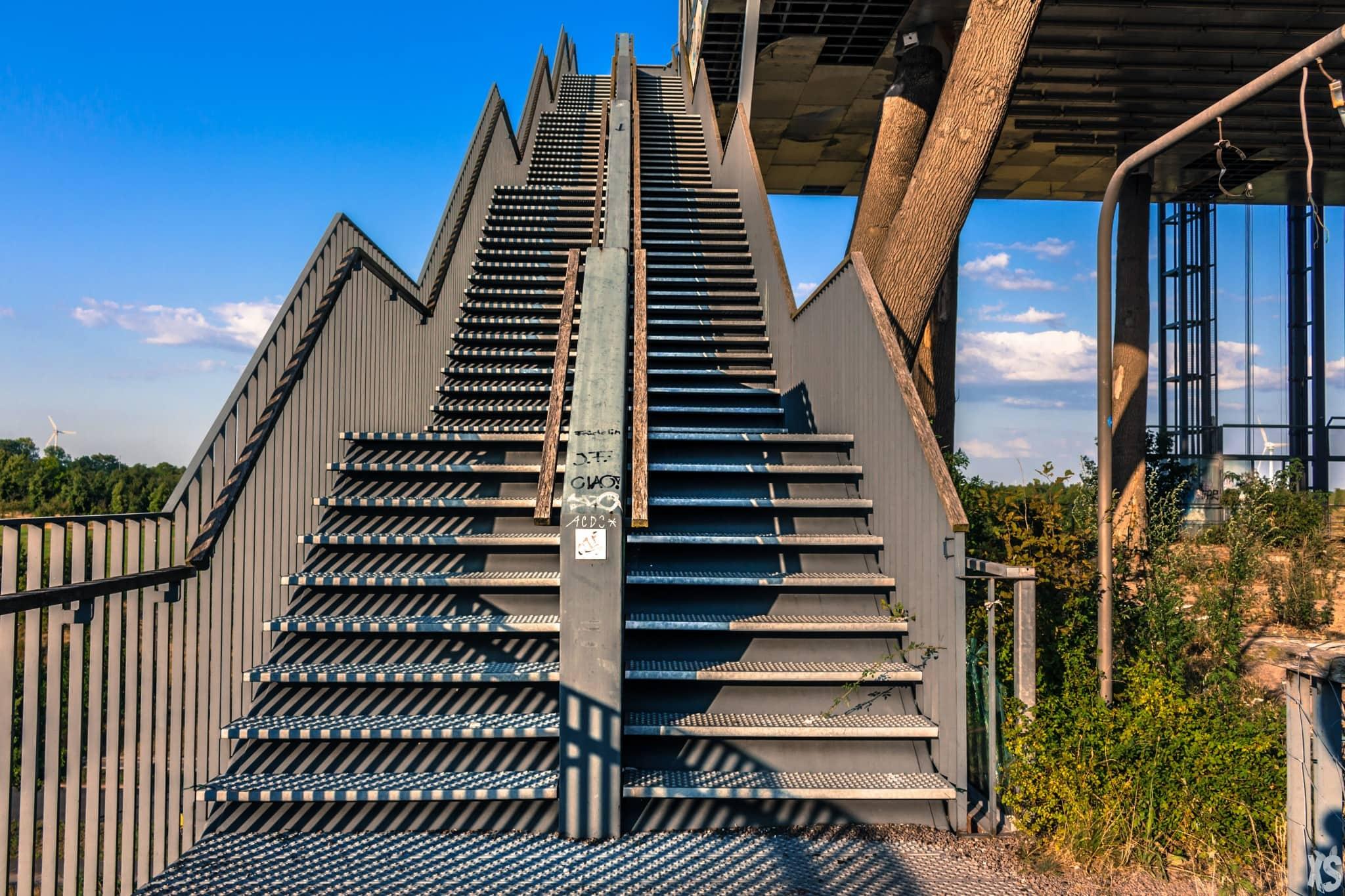 the-dutch-pavilion-13