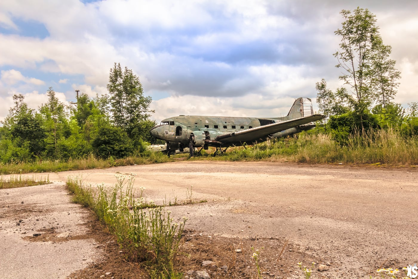 Airplane Graveyard - Abandoned Airplanes - Urbex