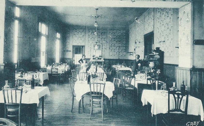 hotel-du-chalet-saint-jean-dangely-archive-1