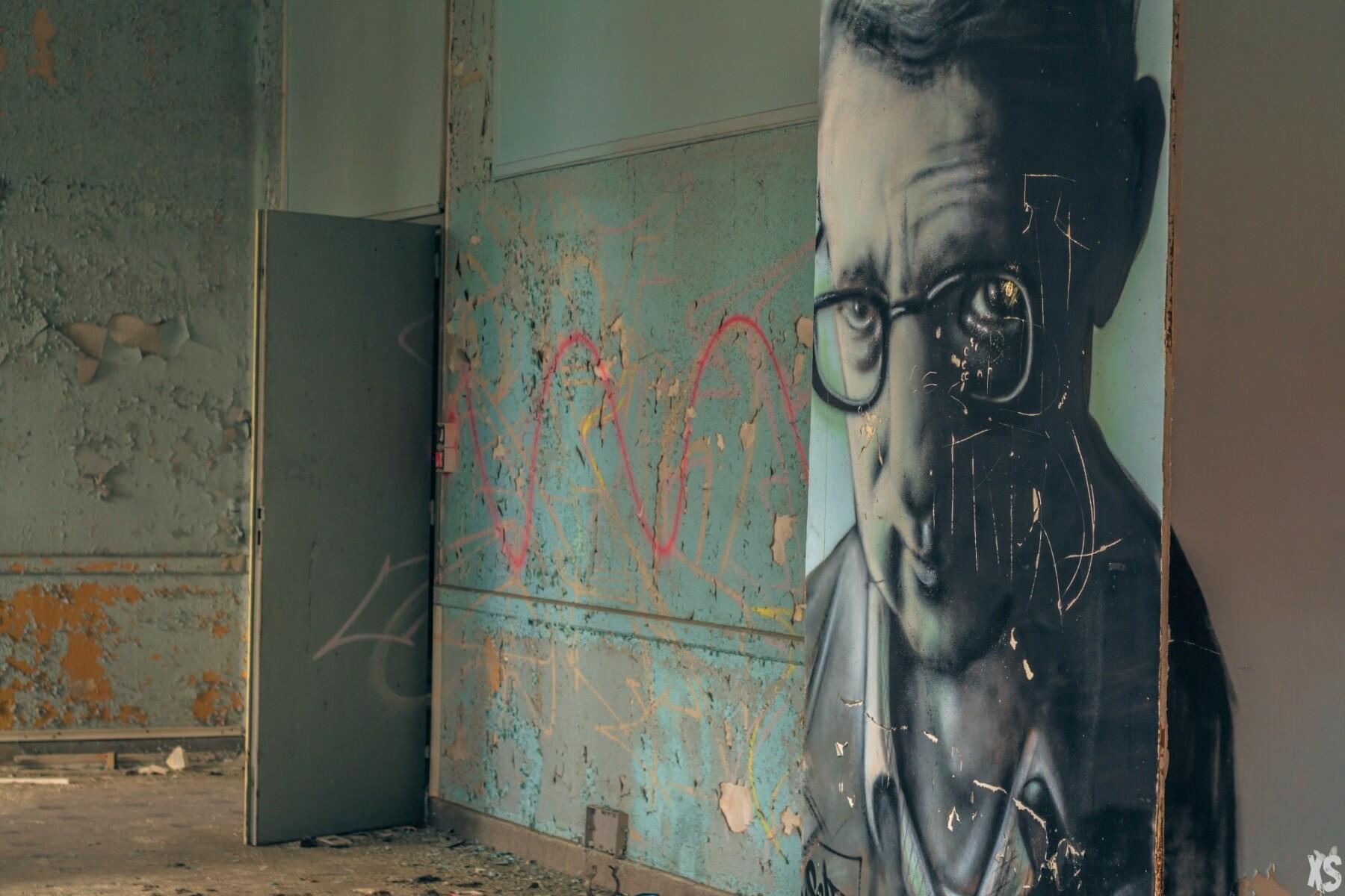 Abandoned sanatorium in France | urbexsession.com/en/sanatorium-lay-saint-christophe | Urbex France