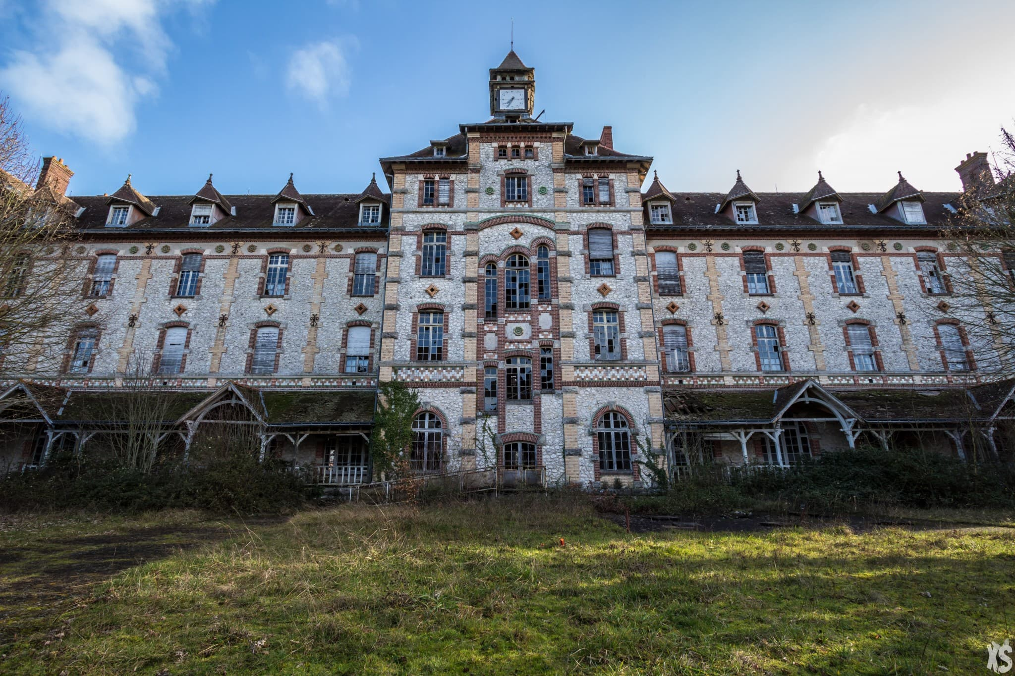 Abandoned orphanage in France | urbexsession.com/en/emile-louis-orphanage | Urbex France