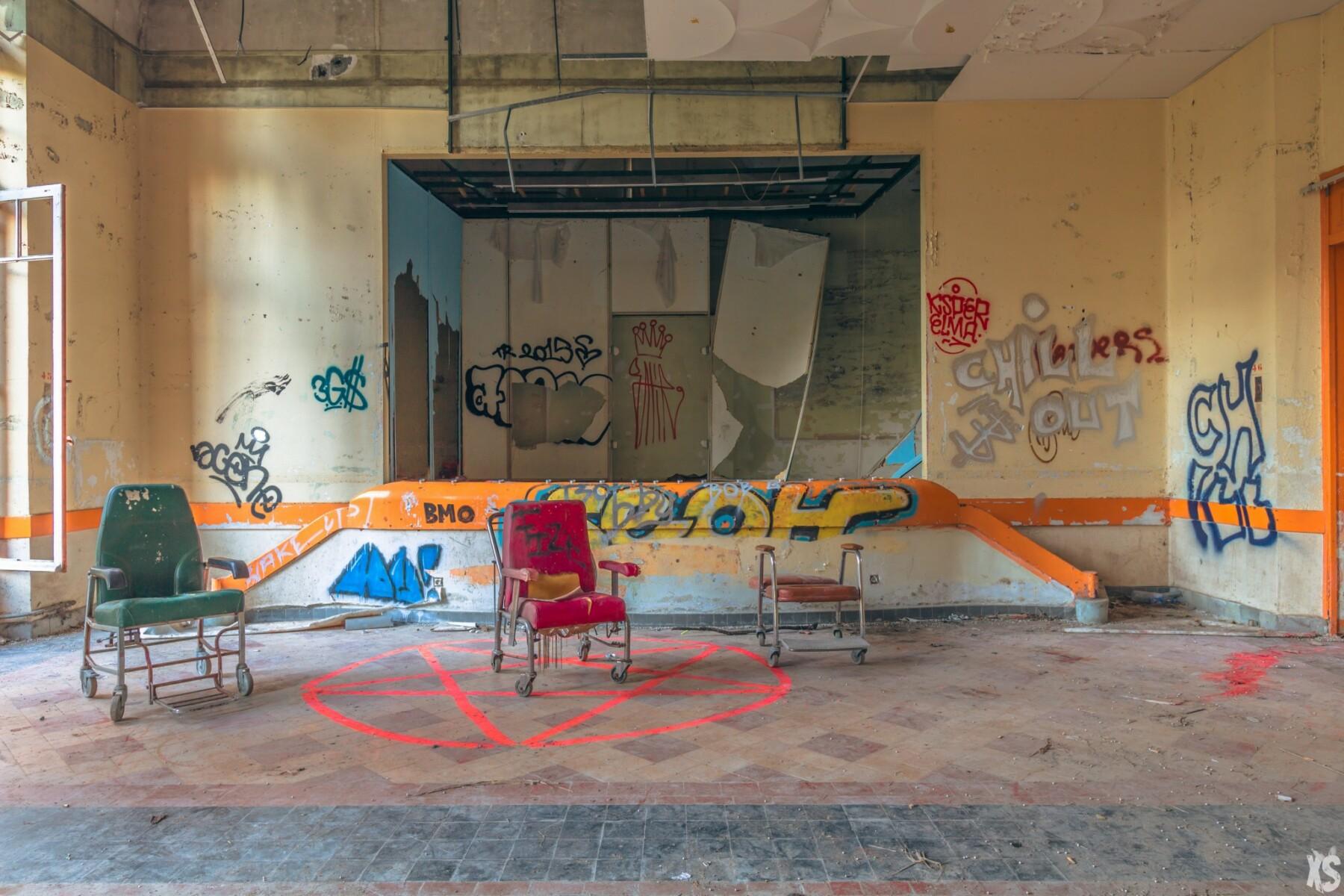 Sanatorium abandonné en France | urbexsession.com/sanatorium-nestor-pirotte | Urbex France