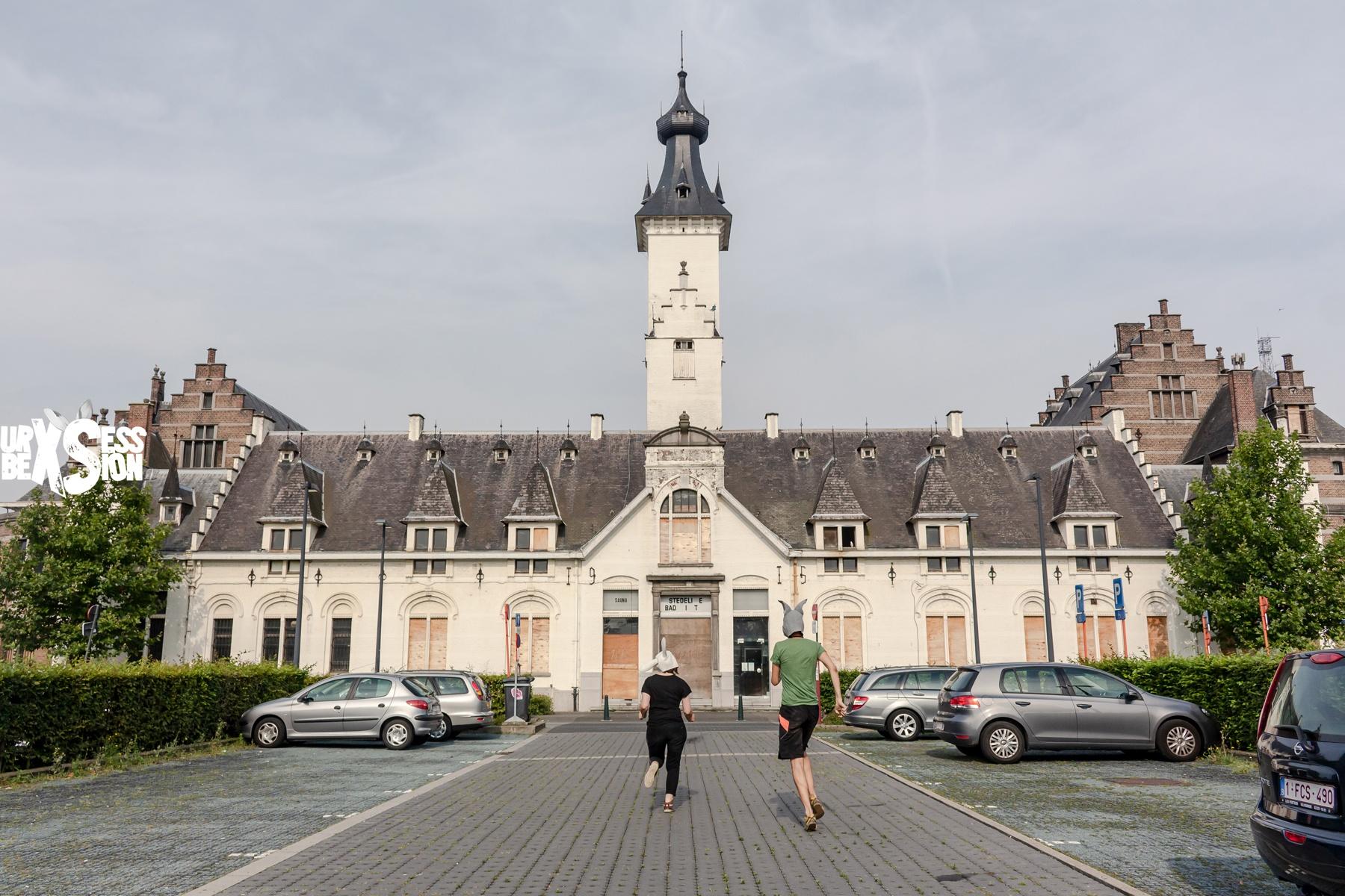 Magnifique piscine abandonnée située dans la ville de Malines en Belgique