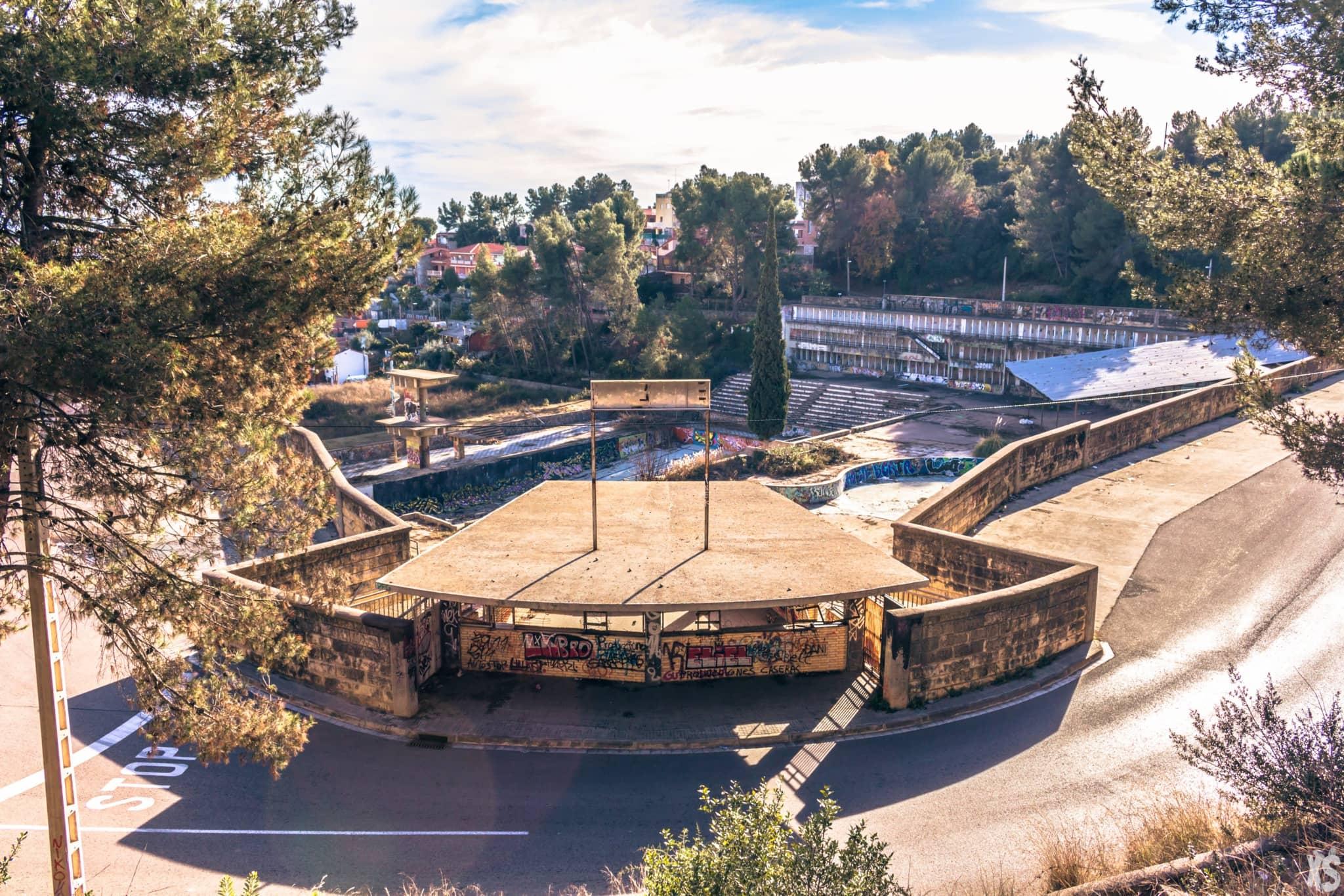 Piscine olympique abandonnée en Espagne | urbexsession.com/piscine-olympique-de-vega | Urbex Espagne