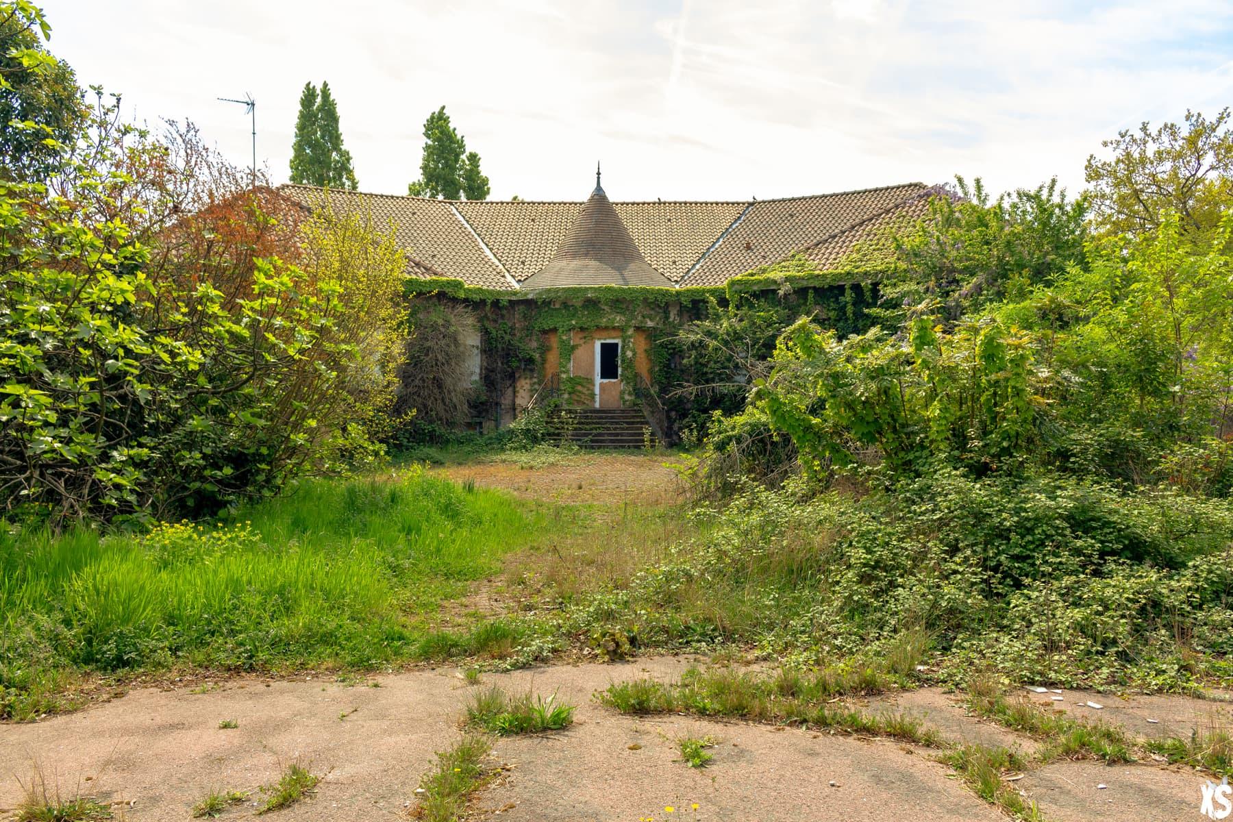 Maison de retraite abandonnée située à Gradignan en Gironde | urbexsession.com/maison-retraite-andrei-tchikatilo | Urbex France Gironde