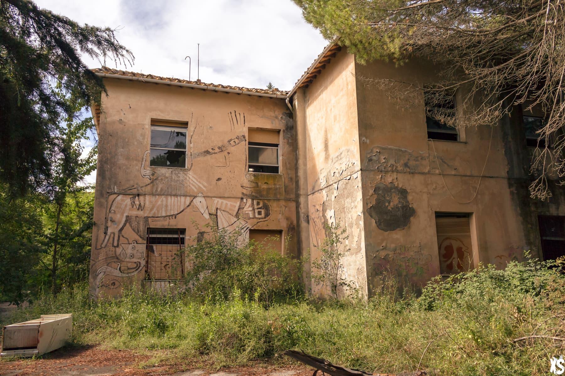 Asile glauque abandonné en Italie