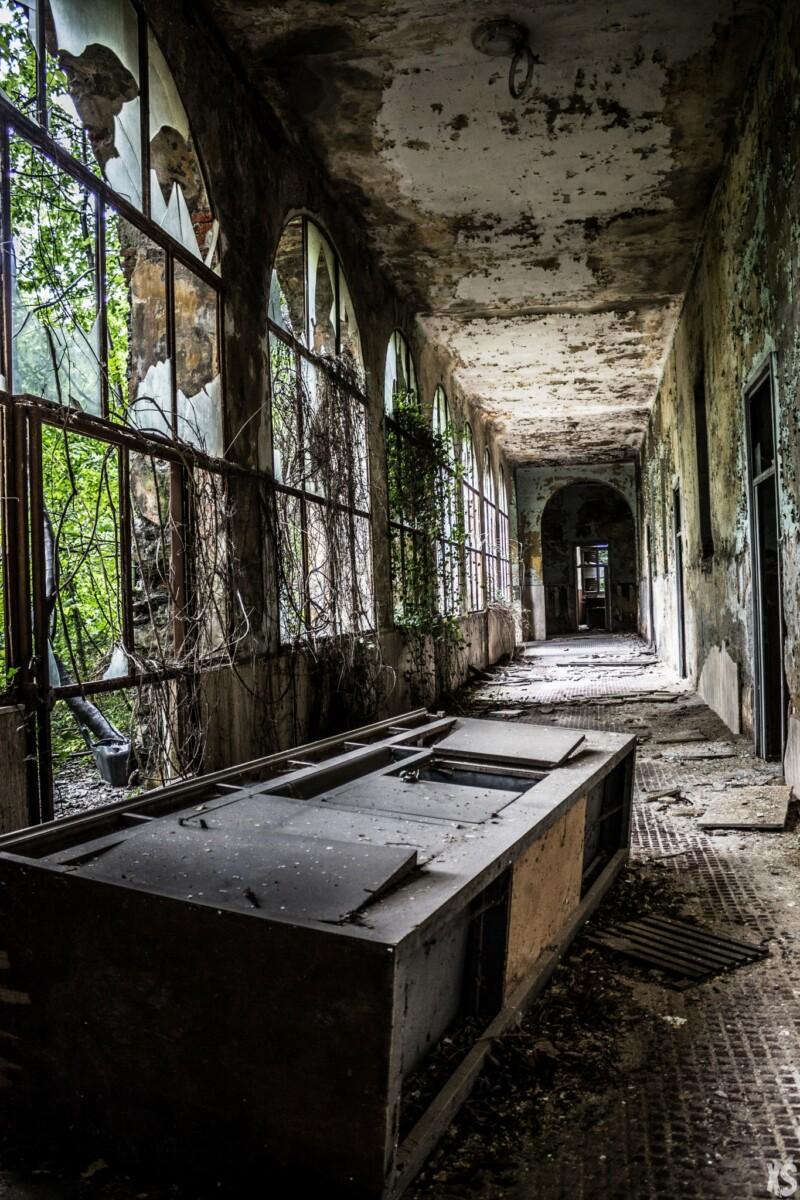 Collège abandonné dans le nord-ouest de l'Italie.