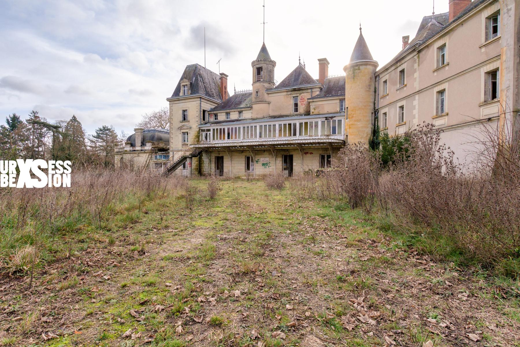 Château abandonné dans le centre de la France