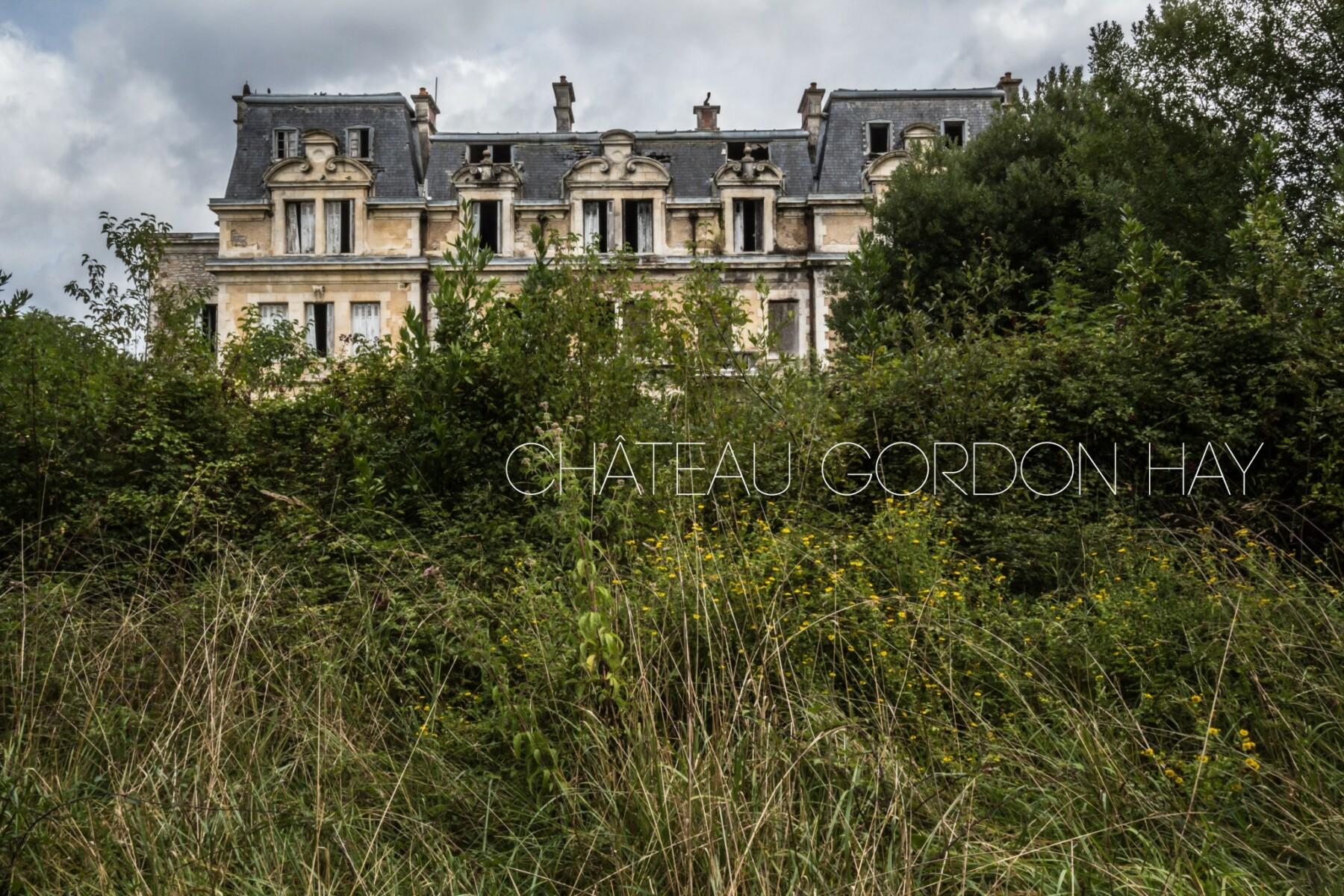 Château abandonné en Aquitaine