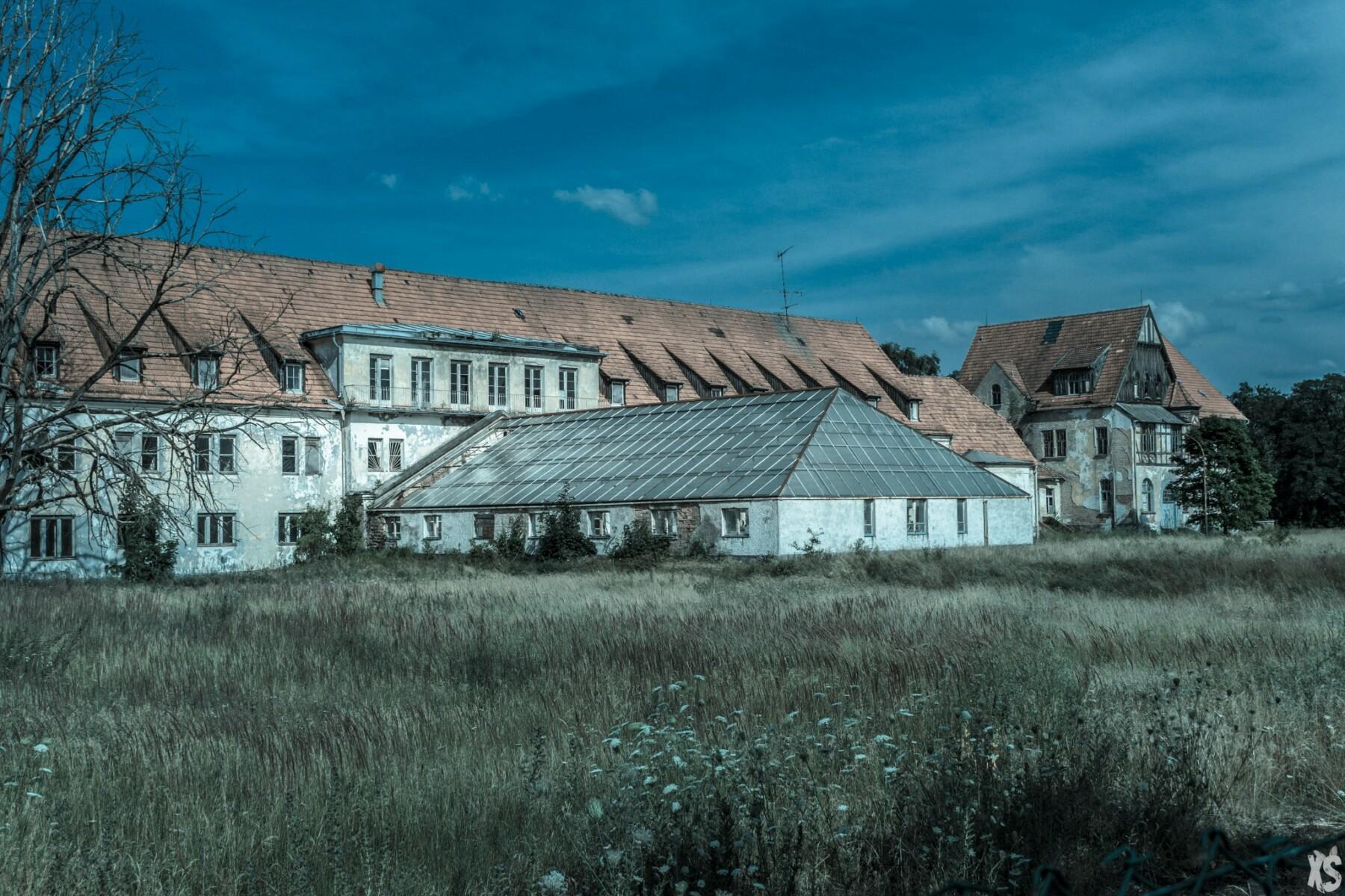 sanatorium-alexander-sandy-keith-38