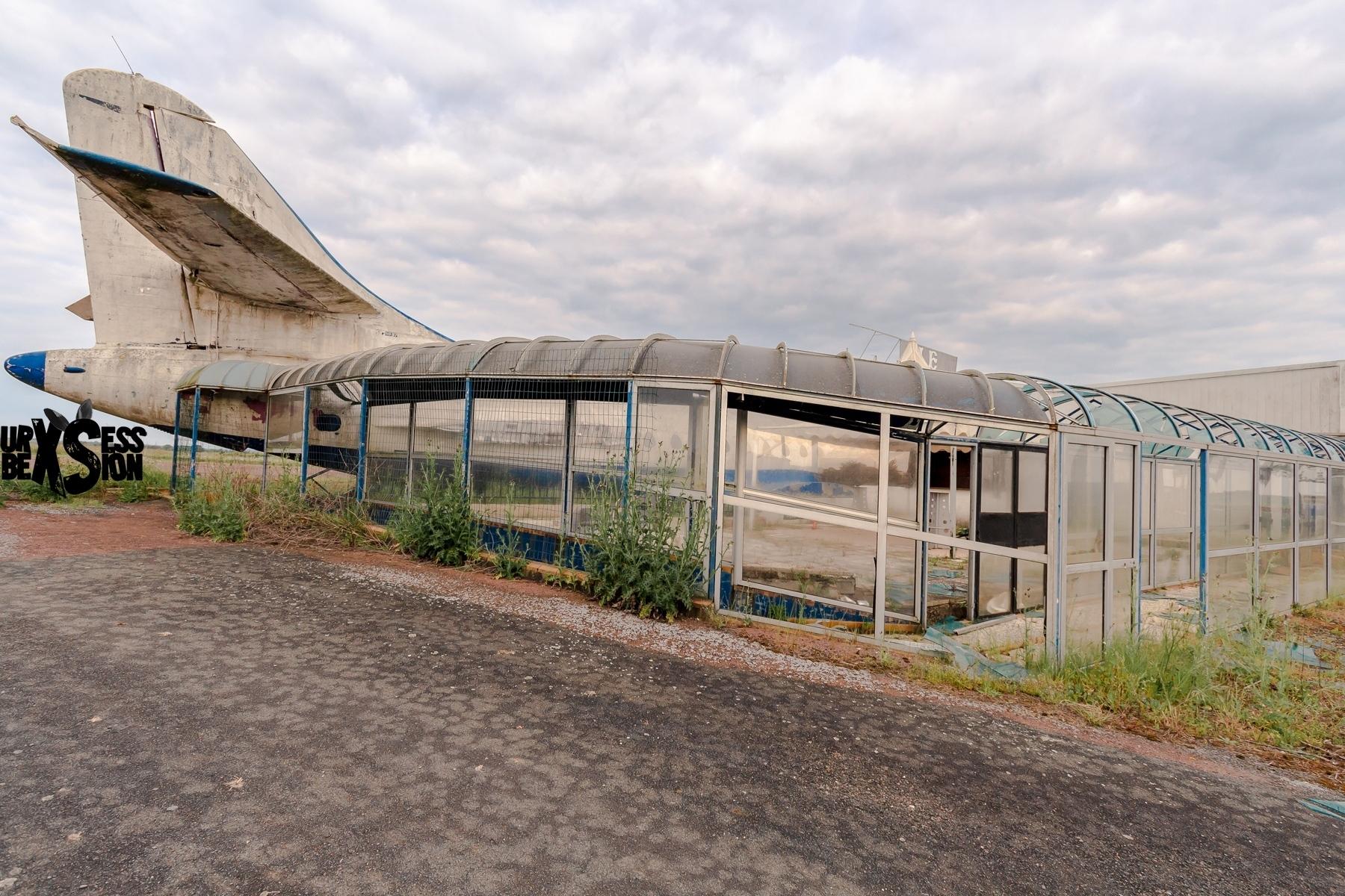 Discothèque abandonnée en France, La Taniere Express | urbexsession.com/af-447-discotheque | Urbex France
