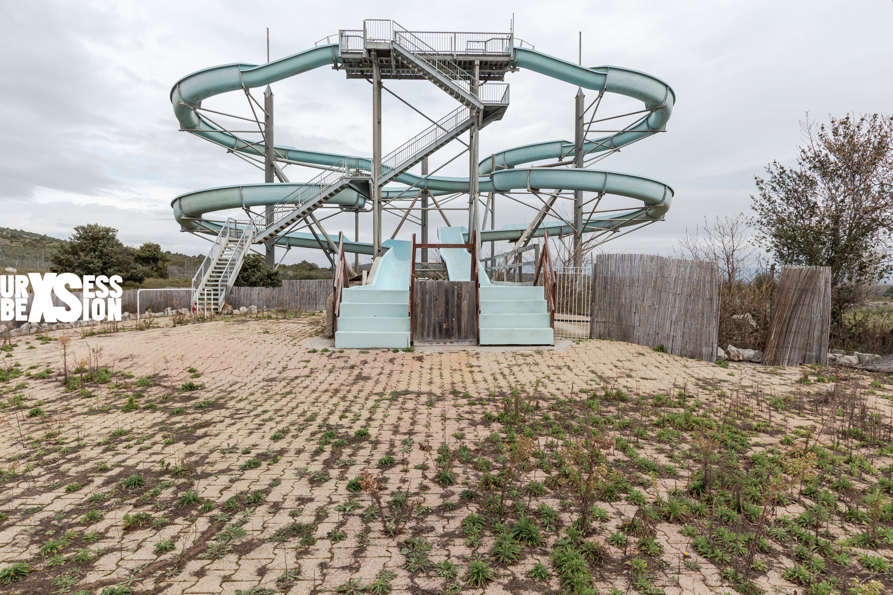 Abandoned amusement park in France | urbexsession.com/en/gacy-land-amusement-park | Urbex France