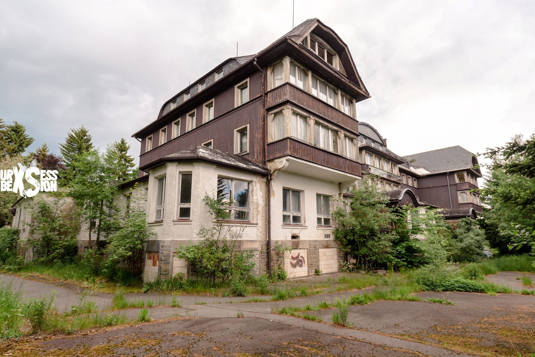 Abandoned hotel in Germany | urbexsession.com/en/oleg-naumov-hotel | Urbex Germany