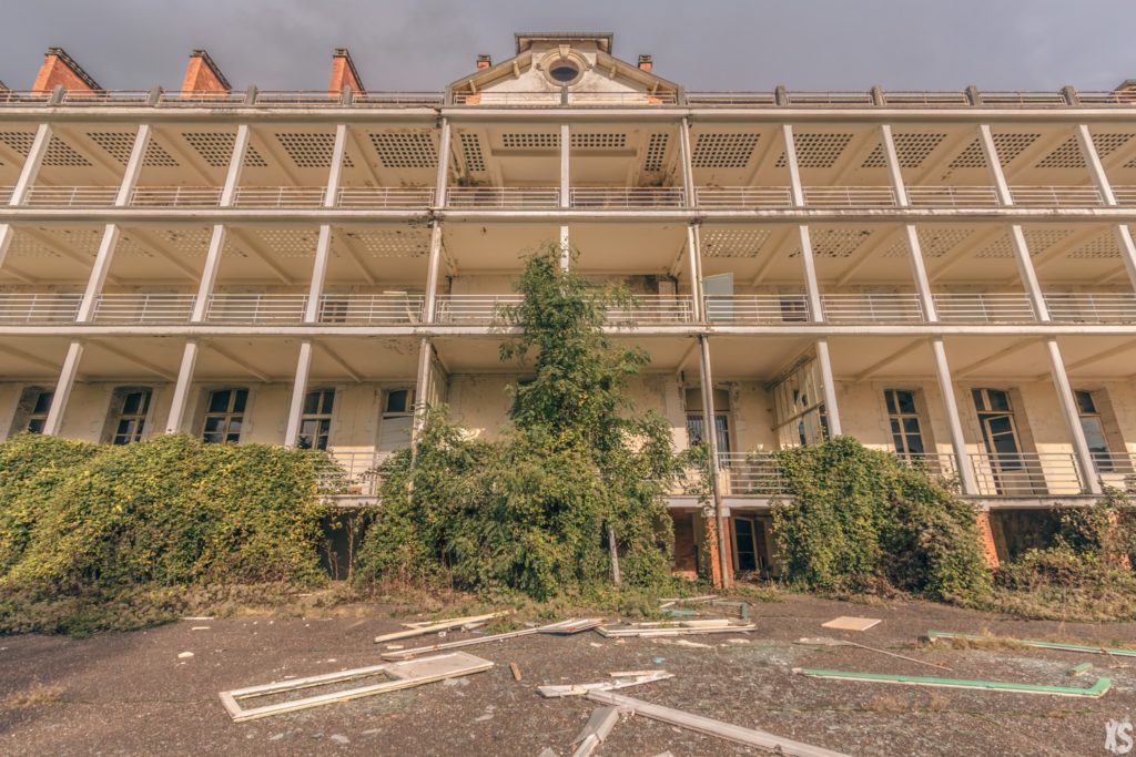 Sanatorium abandonné situé à Lay Saint Christophe | urbexsession.com/sanatorium-lay-saint-christophe | Urbex France