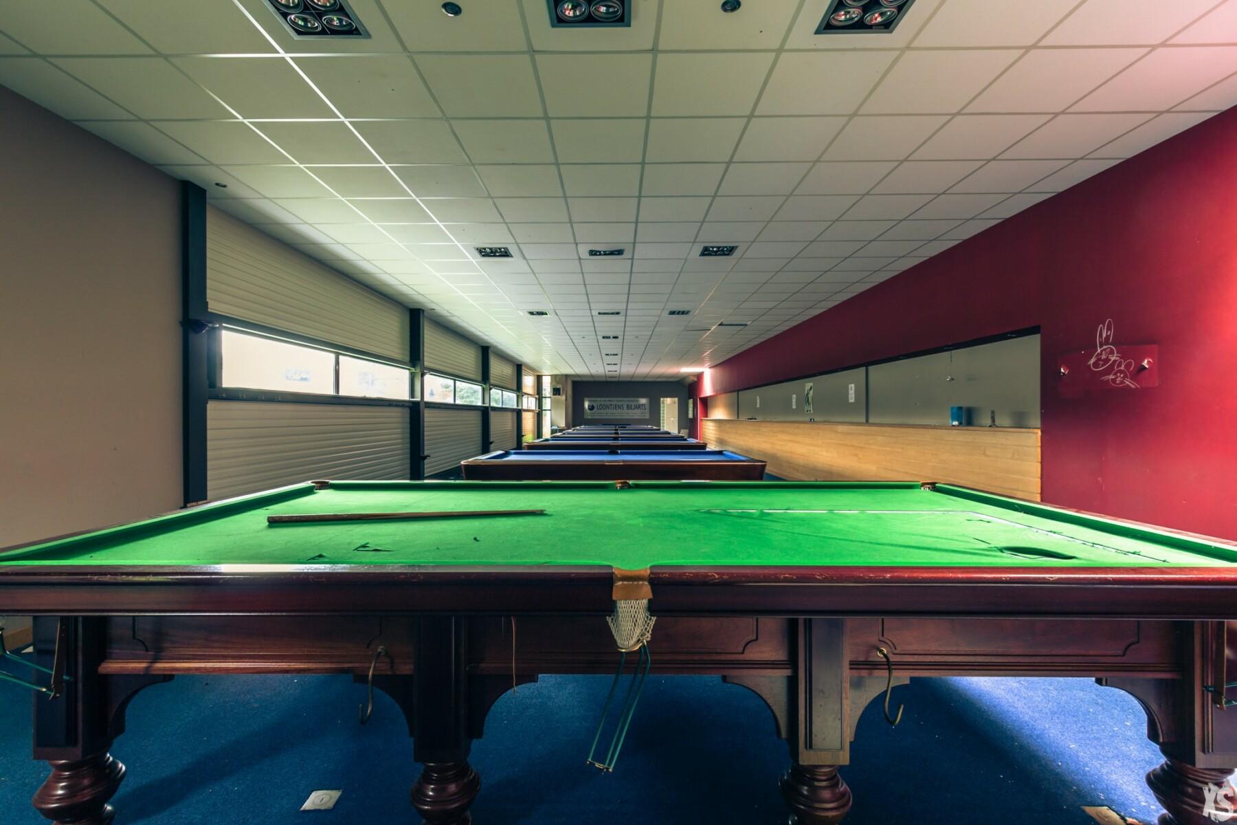 Bowling abandonné en Belgique | urbexsession.com/bowling-artur-ryno | Urbex Belgique