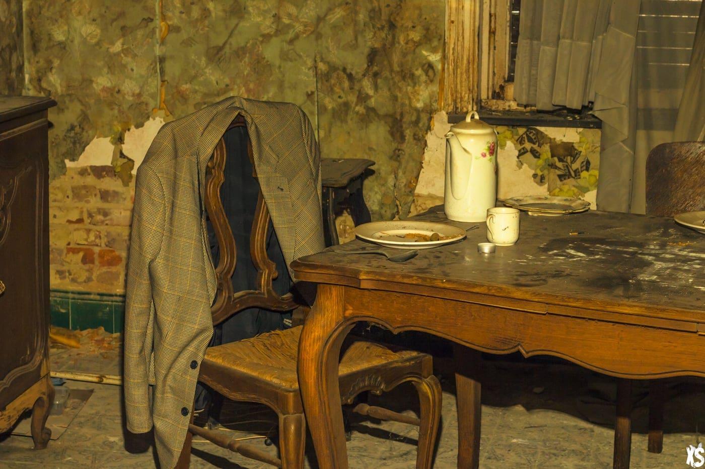 Abandoned House in Belgium : https://urbexsession.com/en/house-luka-magnotta