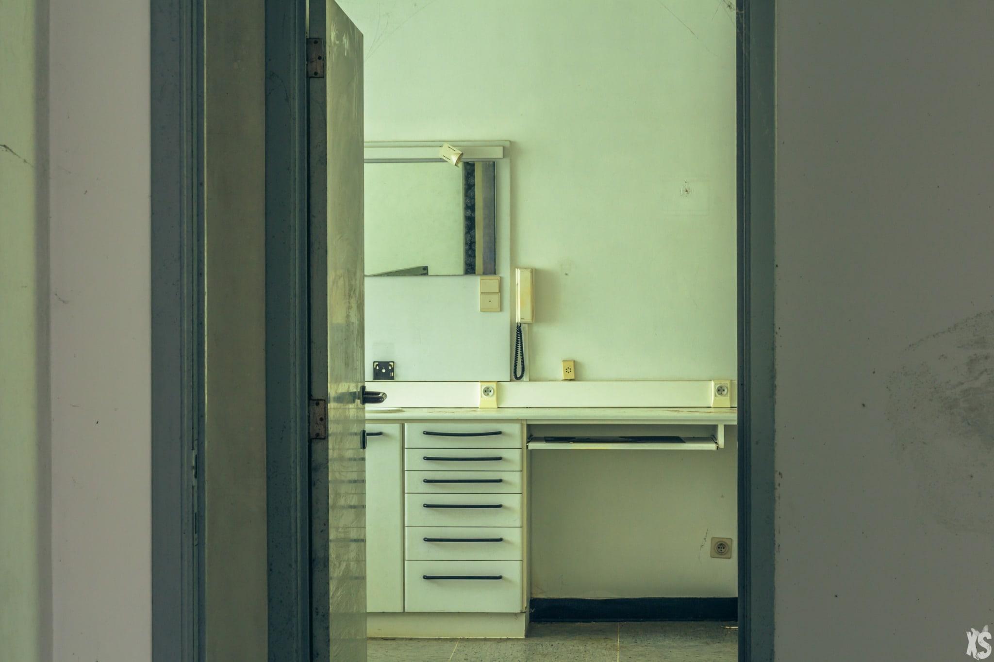 Cabinet de dentiste abandonné situé en Belgique