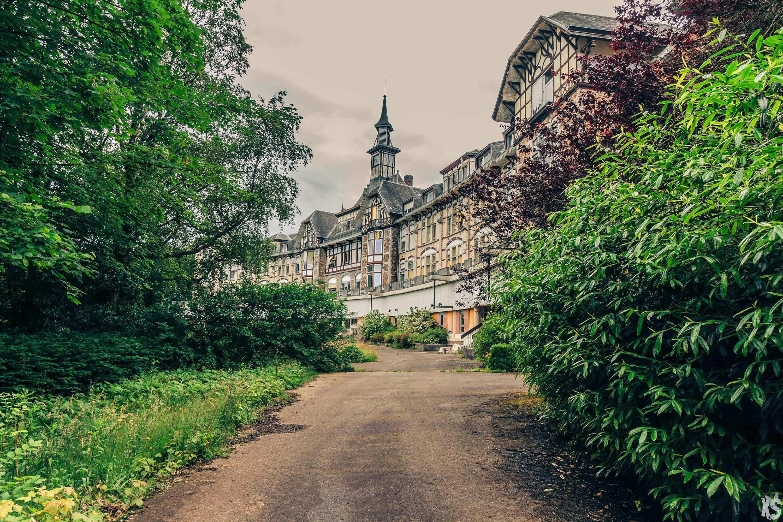 sanatorium-nina-housden-5