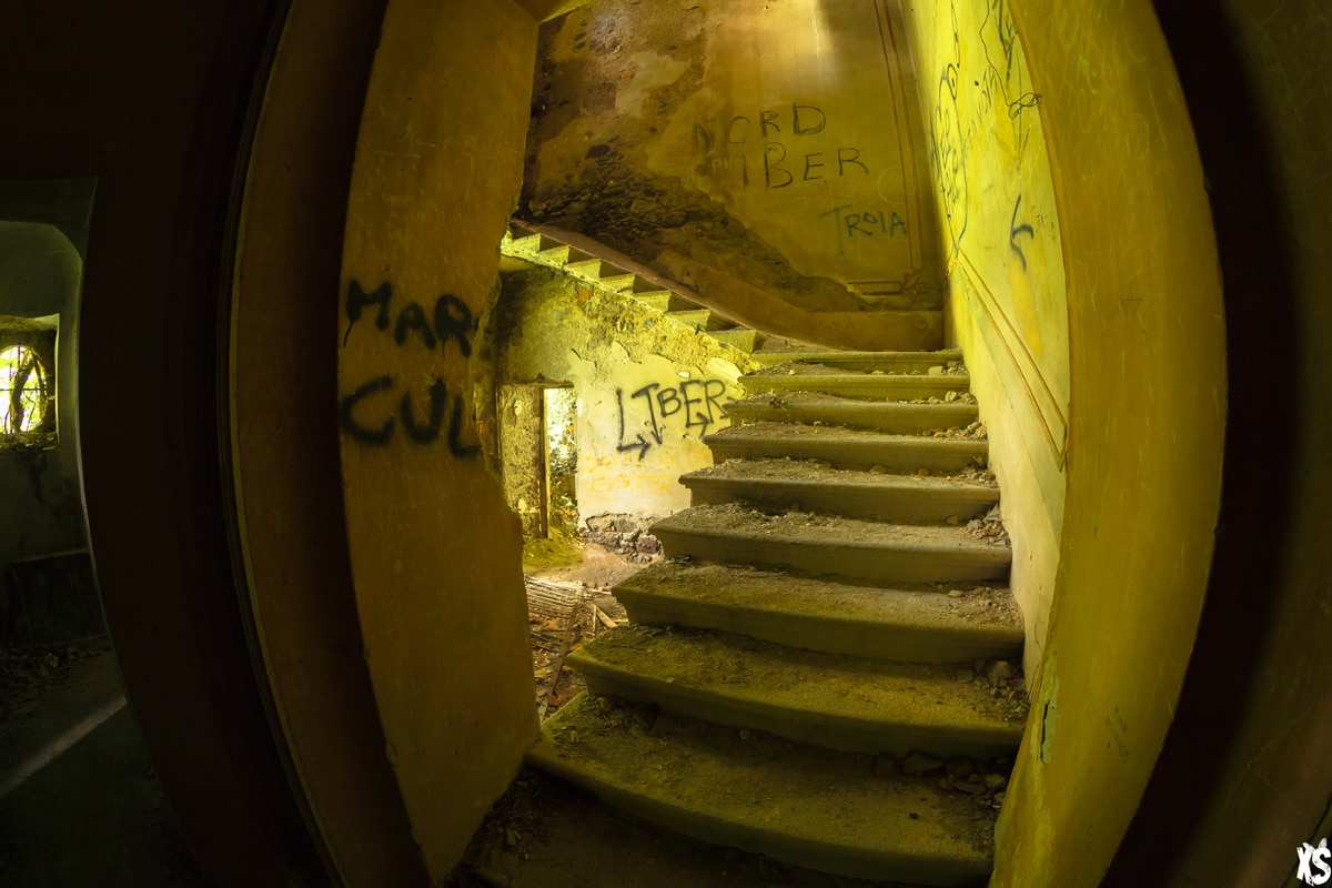 Villa abandonnée située en Italie | urbexsession.com/villa-di-vecchi | Urbex Italie