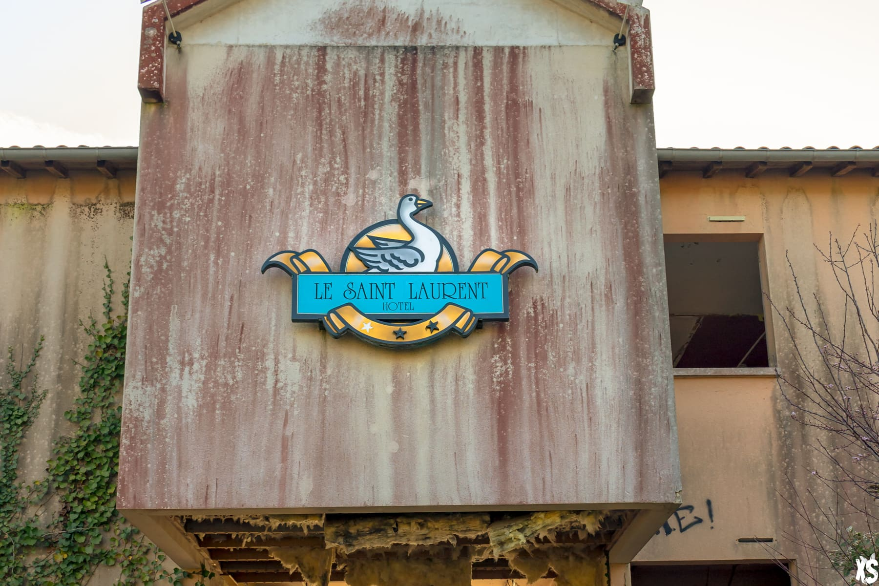 Hôtel abandonné situé à Boulazac Isle Manoire | urbexsession.com/hotel-le-saint-laurent-boulazac-isle-manoire | Urbex Dordogne